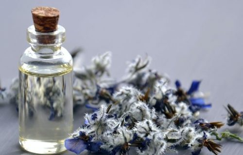 A fragrant way to manage respiratory distress